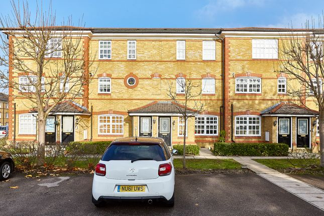 Thumbnail Flat for sale in Anderson Close, London