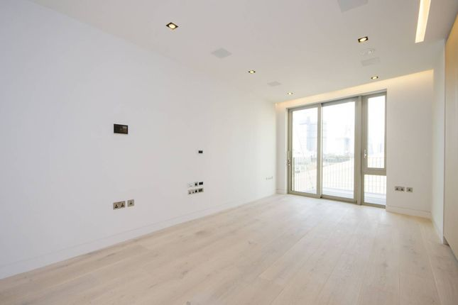 2 bed flat for sale in One Tower Bridge, London Bridge