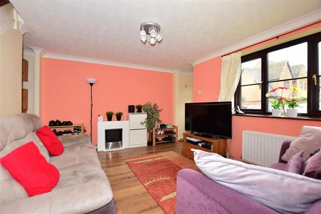 3 bed end terrace house for sale in Mitchell Close, Lenham, Maidstone, Kent ME17