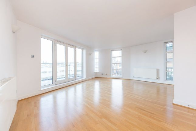 Thumbnail Flat to rent in Benbow House, New Globe Walk