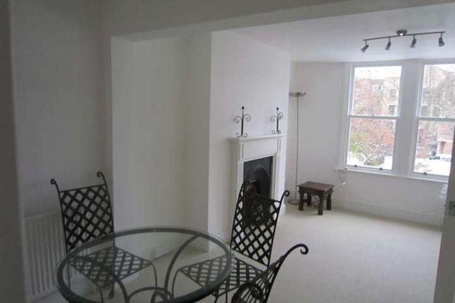 Flat to rent in Tetcott Road, Chelsea
