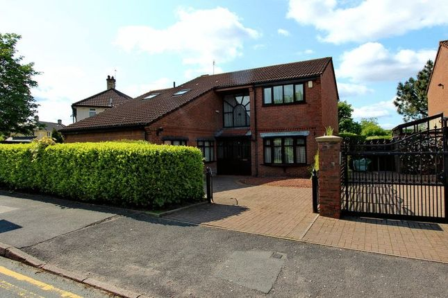 Thumbnail Detached house to rent in Heywood Road, Prestwich, Manchester