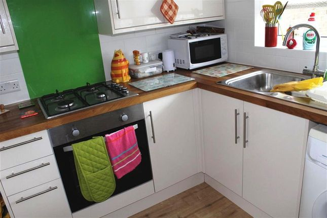 Thumbnail Flat to rent in Pembury Road, Eastbourne