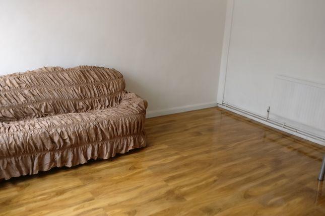 3 bed maisonette to rent in Eugenne Cotter House, London SE17, London