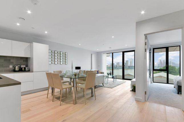 Thumbnail Flat to rent in Pendant Court, Royal Wharf, London
