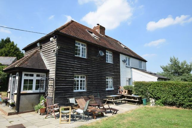 Thumbnail Cottage for sale in Well Hill, Chelsfield, Orpington