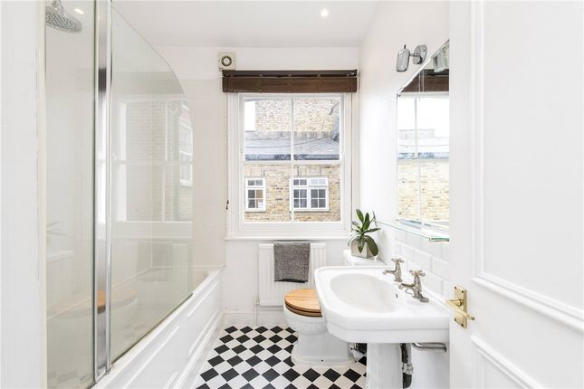 Picture No. 29 of Queensmill Road, London SW6