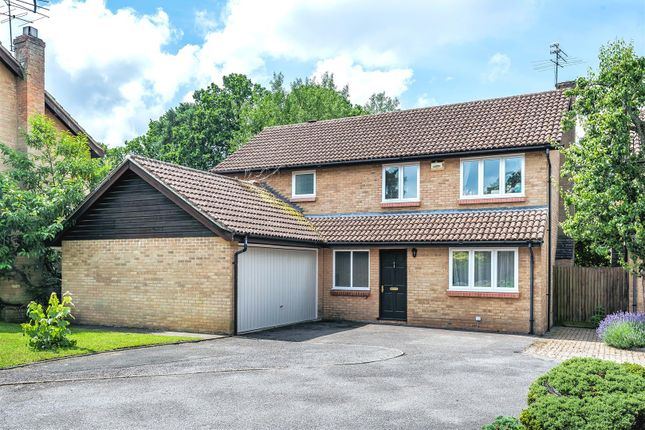 Thumbnail Detached house for sale in Pinewood Avenue, Crowthorne, Berkshire
