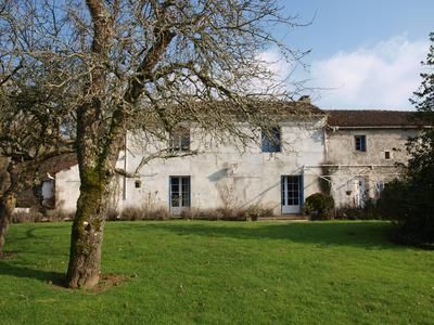 Thumbnail Equestrian property for sale in Montalembert, Deux-Sèvres, France