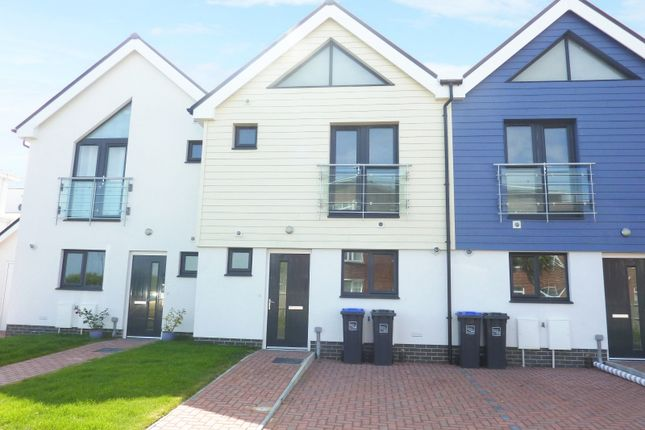 Thumbnail Property to rent in 2A Waterfront Mews, Eirene Avenue, Worthing