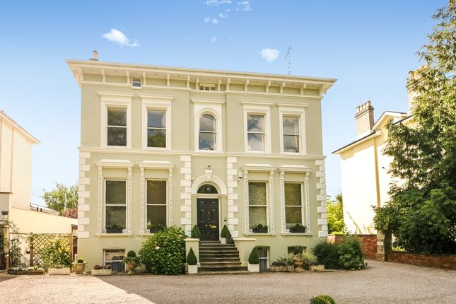 Thumbnail Flat to rent in Evesham Road, Cheltenham