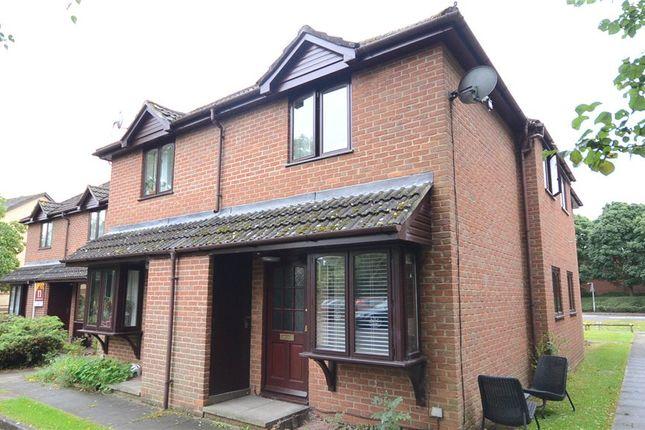 1 bed terraced house for sale in Oak View, Finchampstead Road, Wokingham