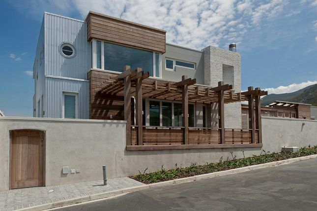 Thumbnail Detached house for sale in 151 11th St, Hermanus, 7200, South Africa