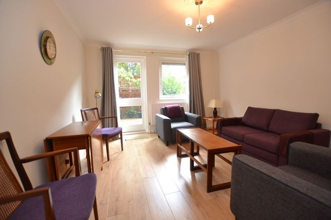 Thumbnail Flat to rent in Cooper Close, London