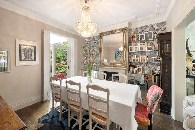 Dining Room of Henning Street, London SW11