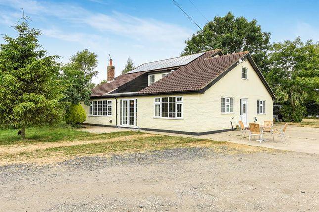 Detached Modern Farmhouse