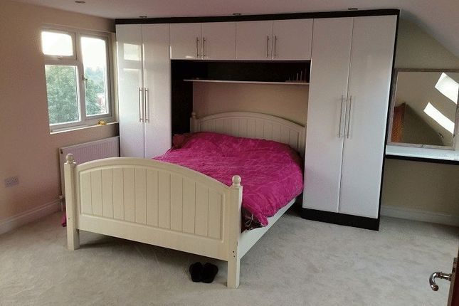 1 bed flat to rent in Canterbury Avenue, Cranbrook, Ilford IG1