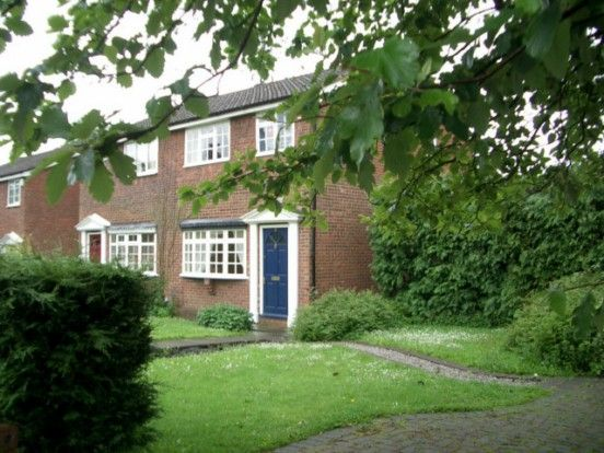3 bed semi-detached house to rent in South View, Bamford, Rochdale