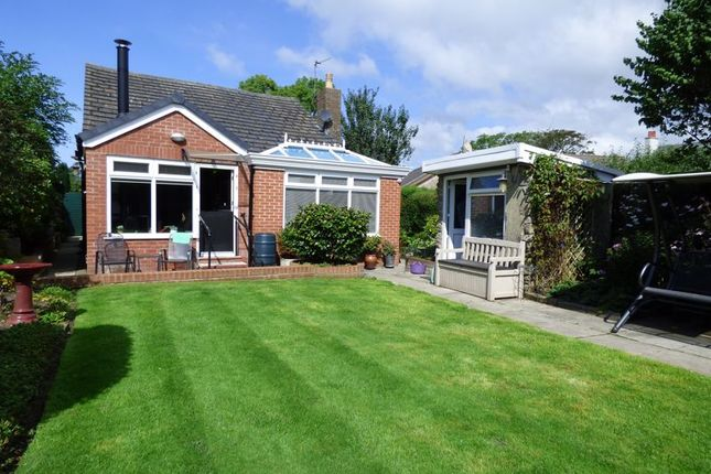 Thumbnail Bungalow for sale in Deanwood, Back Street, Overton