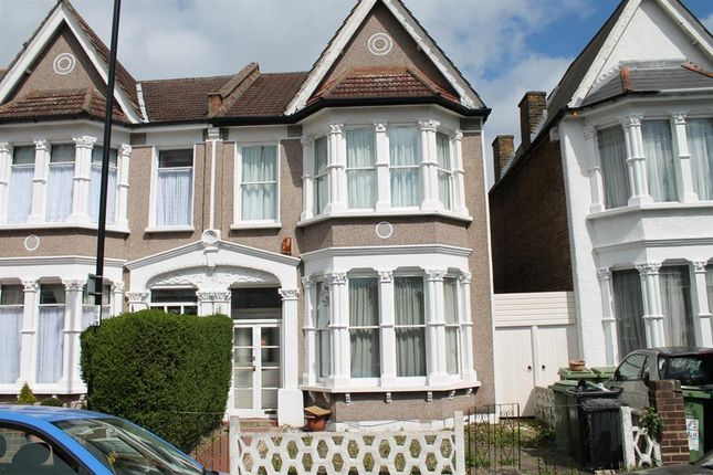 Thumbnail Room to rent in Thornsbeach Road, Catford, London
