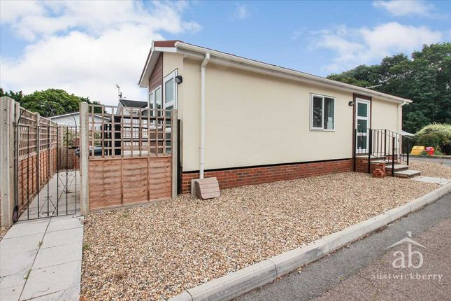 Thumbnail Mobile/park home for sale in Milano Avenue, Martlesham Heath, Ipswich
