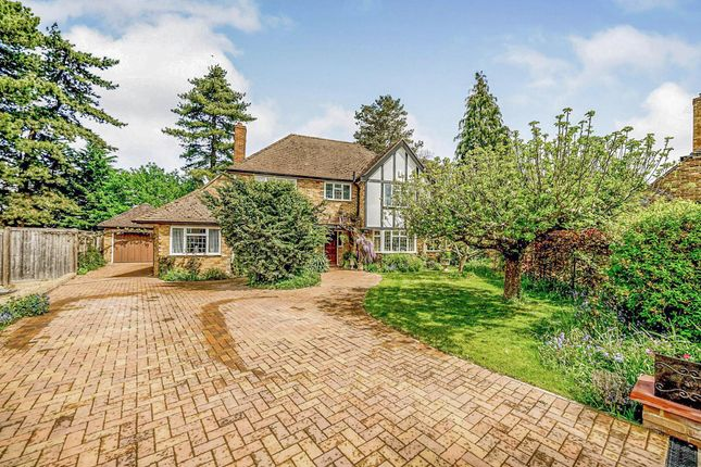 Thumbnail Detached house for sale in Bredward Close, Burnham, Slough