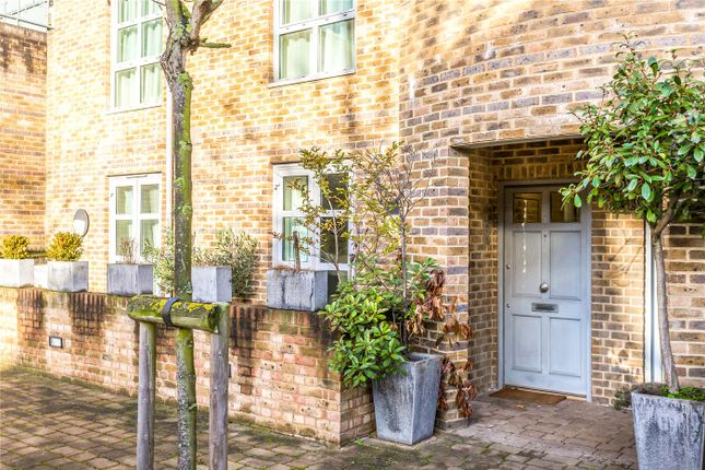 Thumbnail Flat for sale in Epstein Court, 27A Essex Road, London