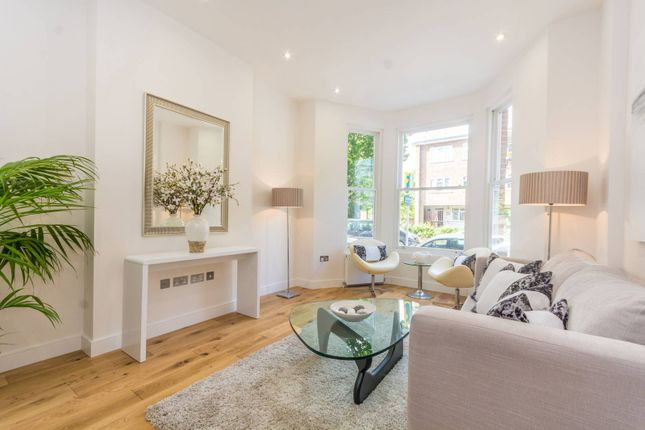 Thumbnail Property for sale in Clissold Crescent, Stoke Newington