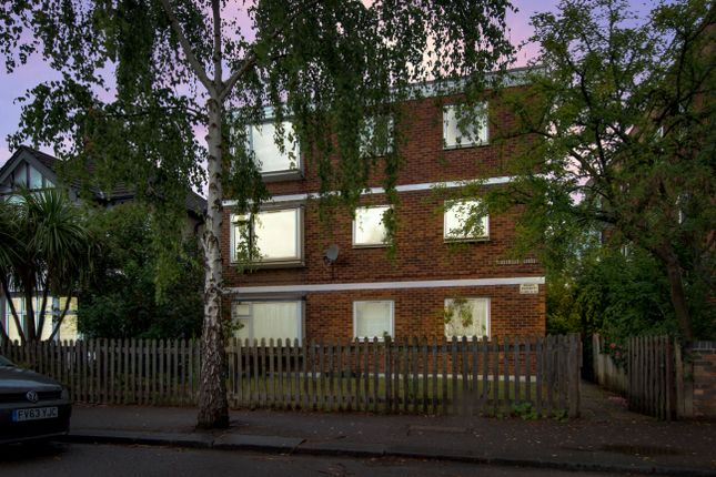 Heathcote Grove, Chingford, London E4