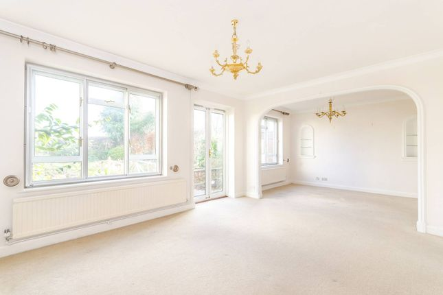 Thumbnail Property to rent in Hayes Lane, Bromley