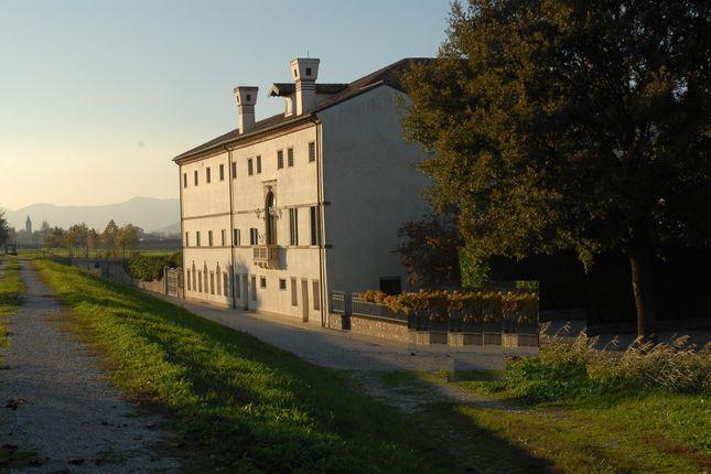 Thumbnail Château for sale in Padua - Due Carrare, Due Carrare, Padua, Veneto, Italy