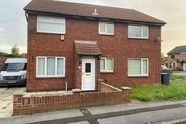 Thumbnail Semi-detached house to rent in Gillamore Close, Howdale Road