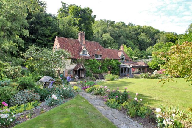 Thumbnail Detached house for sale in Toys Hill, Westerham