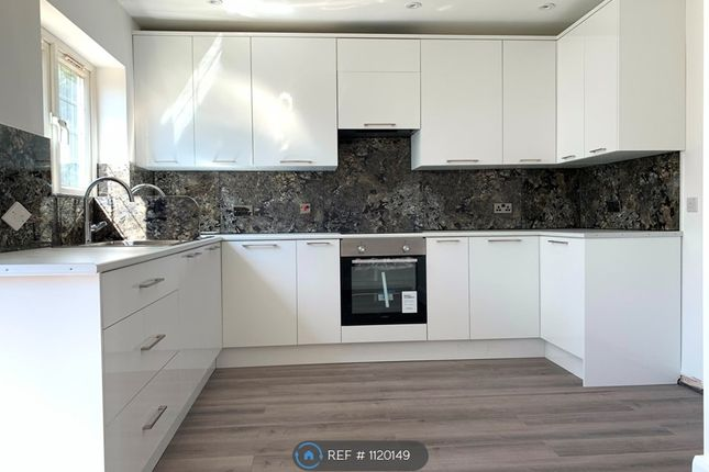 Thumbnail Semi-detached house to rent in Warwick Avenue, Edgware