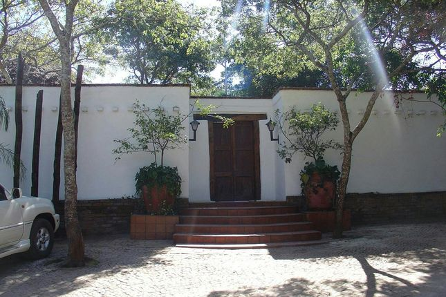 Thumbnail Detached house for sale in Hugh William Dr, Harare, Zimbabwe