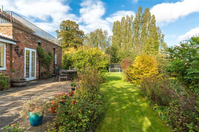 Picture No. 20 of Bulstrode Lane, Felden, Hemel Hempstead, Hertfordshire HP3