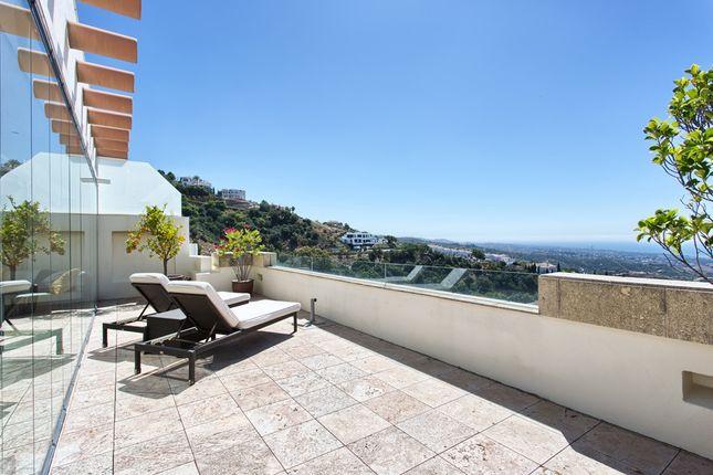 Thumbnail Penthouse for sale in Los Monteros Hill Club (Lmhc) Avenida Adelfas S/N Blq. Pta.35 29603 Altos De, Urb. Artola Baja, 4, 29604 Marbella, Málaga, Spain
