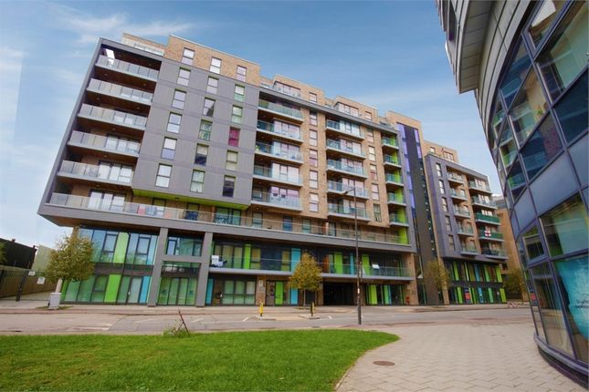 2 bed flat for sale in Norman Road, London SE10