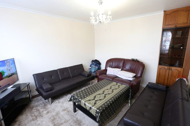 Thumbnail Terraced house to rent in Humber Way, Slough