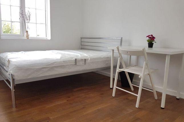 Thumbnail Room to rent in Norbiton Hall, Kingston