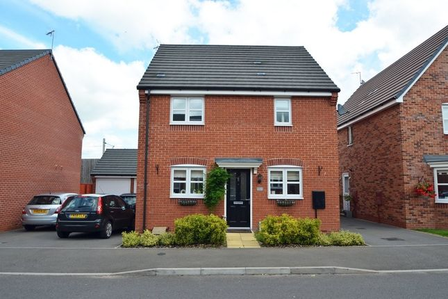 3 bed detached house for sale in Teeswater Close, Long Lawford, Rugby