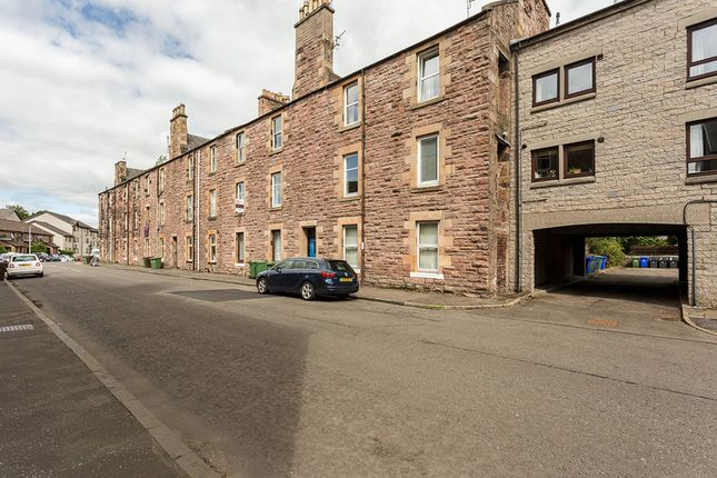 Thumbnail Flat for sale in James Street, Riverside, Stirling