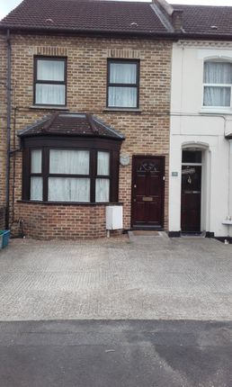 Thumbnail Terraced house to rent in Grant Road, Croydon