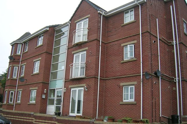 Thumbnail Flat to rent in Crow Nest Drive, Beeston, Leeds