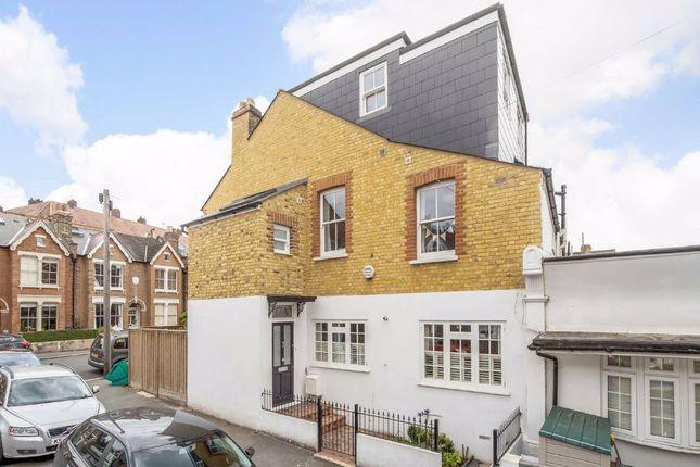 Thumbnail Property to rent in Waveney Avenue, London