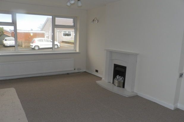 Thumbnail Bungalow to rent in Frensham Way, Bradford