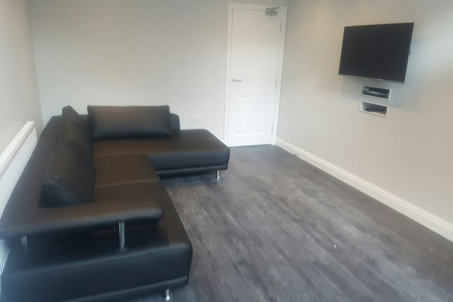 Terraced house to rent in Spa Road, Preston