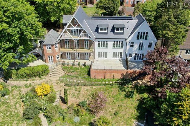 Picture No. 15 of Upper Valley View, 25 Westview Road, Warlingham, Surrey CR6