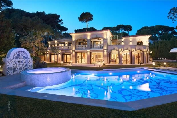 Thumbnail Property for sale in Cap D'antibes, French Riviera, 06600