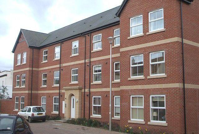 Thumbnail Flat to rent in Popham Close, Tiverton
